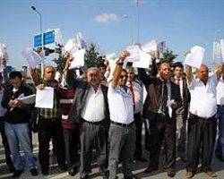 Eylemciler E-5'i Trafiğe Kapattı