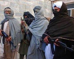 Pakistan Gazetelerine Afgan Yasağı