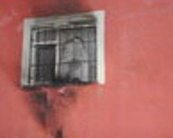 Hakkari'de Okula Molotoflu Saldırı!