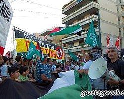 Atina'da Müslümanlar Polisle Çatıştı