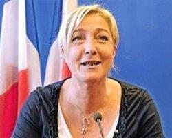 Le Pen Türban Yasağı İstedi