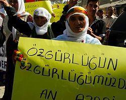 Özgür Gündem - Tutsaklar Grevde Halk Sokakta