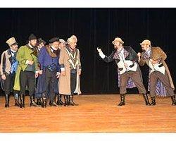 Şehir Tiyatrosu Misafirle Perde Diyor