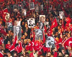 'Atatürk'ü Silme Çabaları Hız Kazandı'