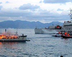 Dalış Teknesi Battı, Yolcuları Sahil Güvenlik Kurtardı