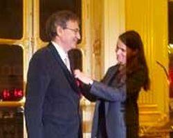 Orhan Pamuk'a Legion D'honneur Nişanı