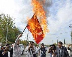 Kuzey Iraklı Kürtler Türk Bayrağı Yaktılar