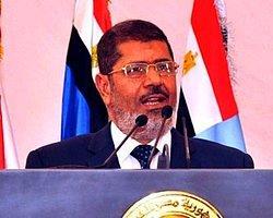 Mursi, Putin'in Rusya Davetini Kabul Etti