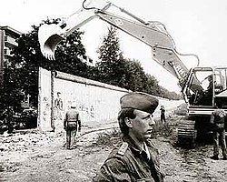 Berlin Duvarı'nın Yıkılışına Google'ın Online Sergisi İle Tanık Olun