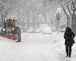 Ukrayna'da Soğuk Hava Can Alıyor