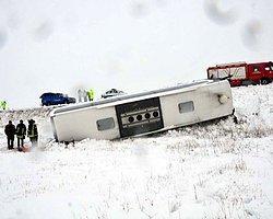 Yolcu Otobüsü Devrildi: 1 Ölü, 12 Yaralı