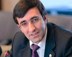 Maliye Bakanımız Kıskançlıkla Takip Ediliyor