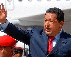 Chavez Yetkilerini Devretmeye Başladı