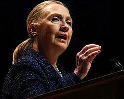 Clinton Hastaneye Kaldırıldı
