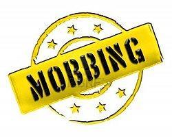 Mobbing Şikayeti Yapan Öğretmen İlçeye Tayin Edildi