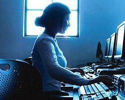 Bu Ülkelerde, Kadına İnternet Yasak!