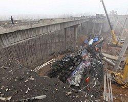 Çin'de Otoyol Köprüsü Çöktü: 26 Ölü
