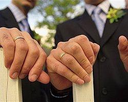 """İngiltere'de Tarihi Oylama: Eşcinsellerin Evliliğine """"Evet''"""