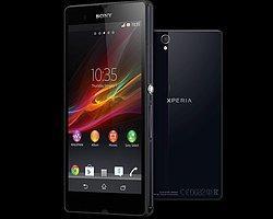 Sony'nin Süper Telefonu Xperia Z Türkiye'de