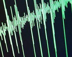 Pakistan'da 5.5 Büyüklüğünde Deprem