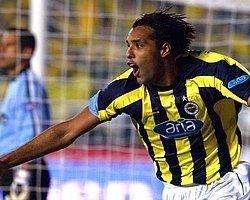 """Hooijdonk: """"Sneijder Fenerbahçe'de Daha Faydalı Olurdu"""""""
