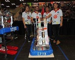 Öğrencilerimiz Uluslararası Robot Yarışmasından Birincilikle Döndü!