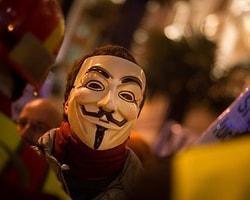 Reuters Editörü Anonymous'a Yardım Etmekten Suçlanıyor