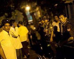Myanmar'da Medresede Yangın