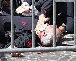 İtalya'da Yemin Sırasında Silahlı Saldırı