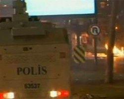 Bir Grup Başbakanlığa Saldırdı: 7 Polis Yaralı