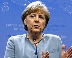 Merkel gidici mi?