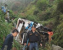 Filipinler'de Otobüs Kazası