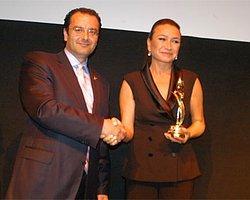 Kırmızı Lale Film Festivali'nin İlk Ödülleri Akbağ Ve Yönetmen Kıral'a