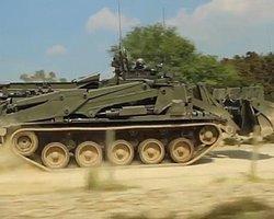 İngiliz Ordusuna Uzaktan Kumandalı Buldozer-Tank