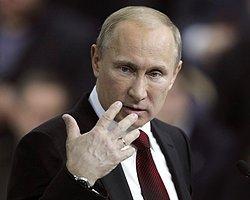"Rusya'da Taksim'e Kim ""Putin İstifa"" Yazdı Tartışması"
