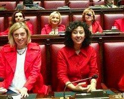 İtalya'da 8 Kadın Milletvekili 'Kırmızılı Kadın' Oldu