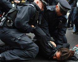 Londra Polisi G8 Alarmında
