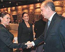 Hülya Avşar... Başbakan Onu  Trend Topic Yaptı!