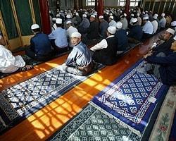 Çin Doğu Türkistan'daki Müslümanları Katlediyor