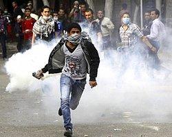 Mısır'da Üniversitelilere Ateş Açıldı