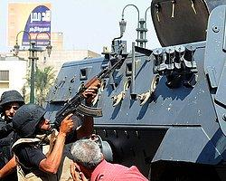 Mursi'nin ve İhvan Liderlerinin Evine Baskın