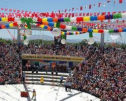 AKP'den Yazı: 'Mısır İçin Festivalleri İptal Edin'