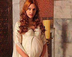 Meryem Uzerli'nin Bebeği Ortada Kalmayacak!
