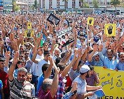Mısır ve Suriye'deki Katliamları Protesto Ettiler