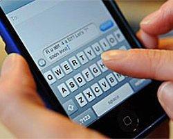 'ABD İstihbaratı Cep Telefonlarını İzleyebilir'