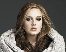 Adele Çocuğunu Göstermiyor