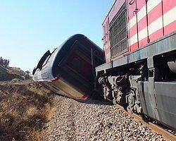 Yozgat'ta Yolcu Treni Raydan Çıktı