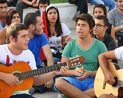Milli Eğitim Bakanı Avcı'ya Şarkılı Gönderme