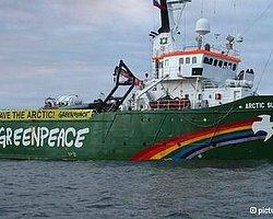 Greenpeace'e Korsanlık Suçlaması