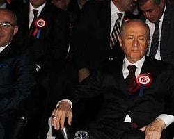 MHP Lideri Bahçeli, Törende Uyudu